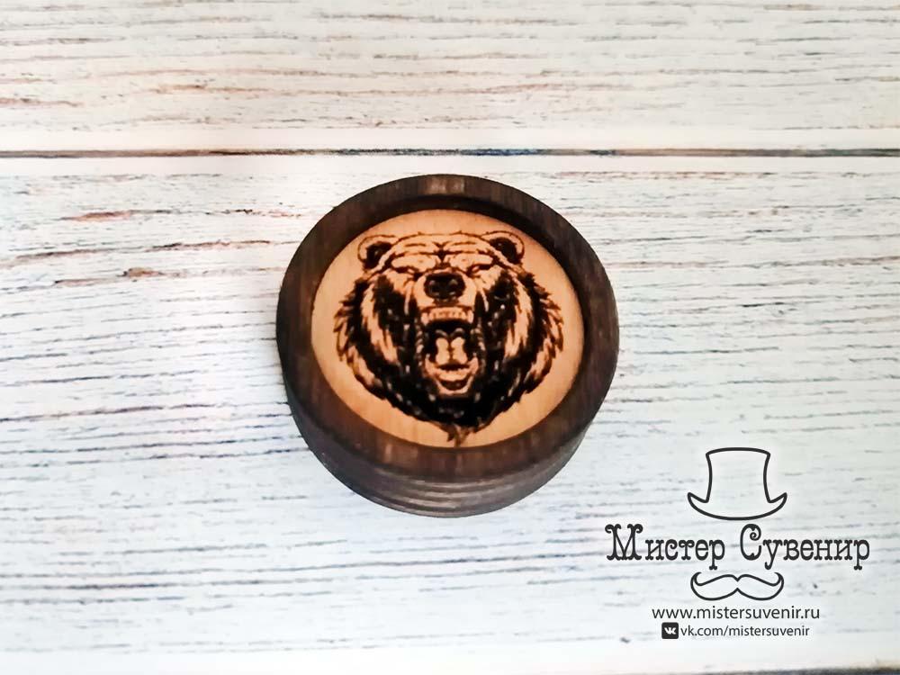 Шашка из дерева с гравировкой медведя