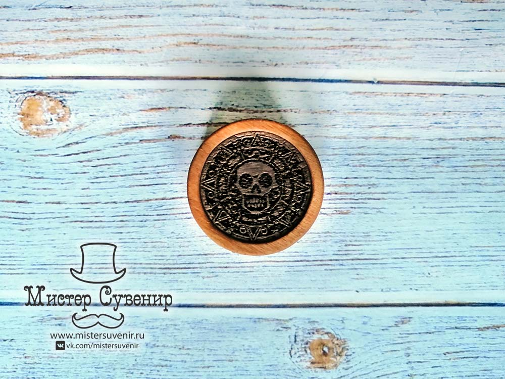 Пиратская монета из фанеры