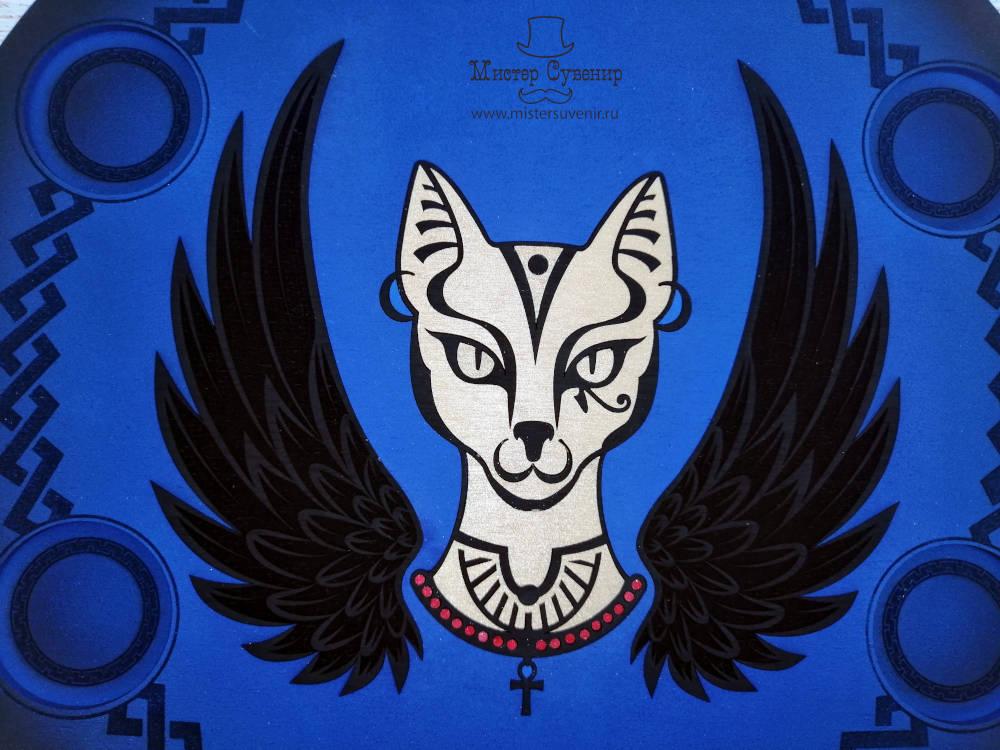 Насыщенный синий цвет алтаря Бастет