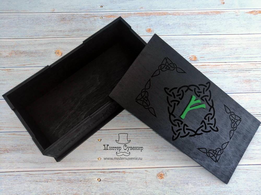 Открытая черная шкатулка Феху