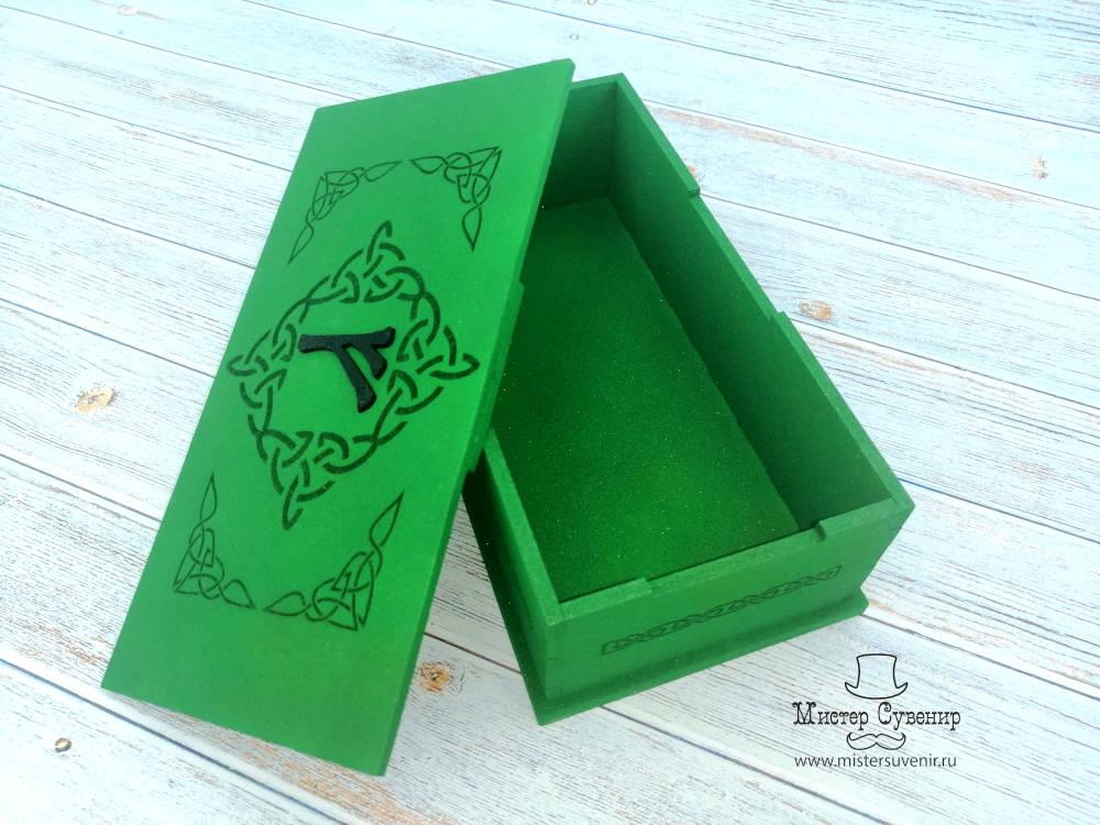 Шкатулка феху в изумрудно-зеленом цвете