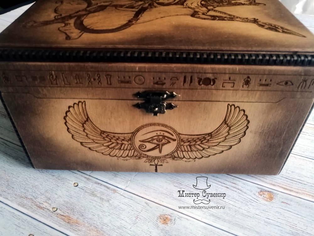 Защитные символы на шкатулке