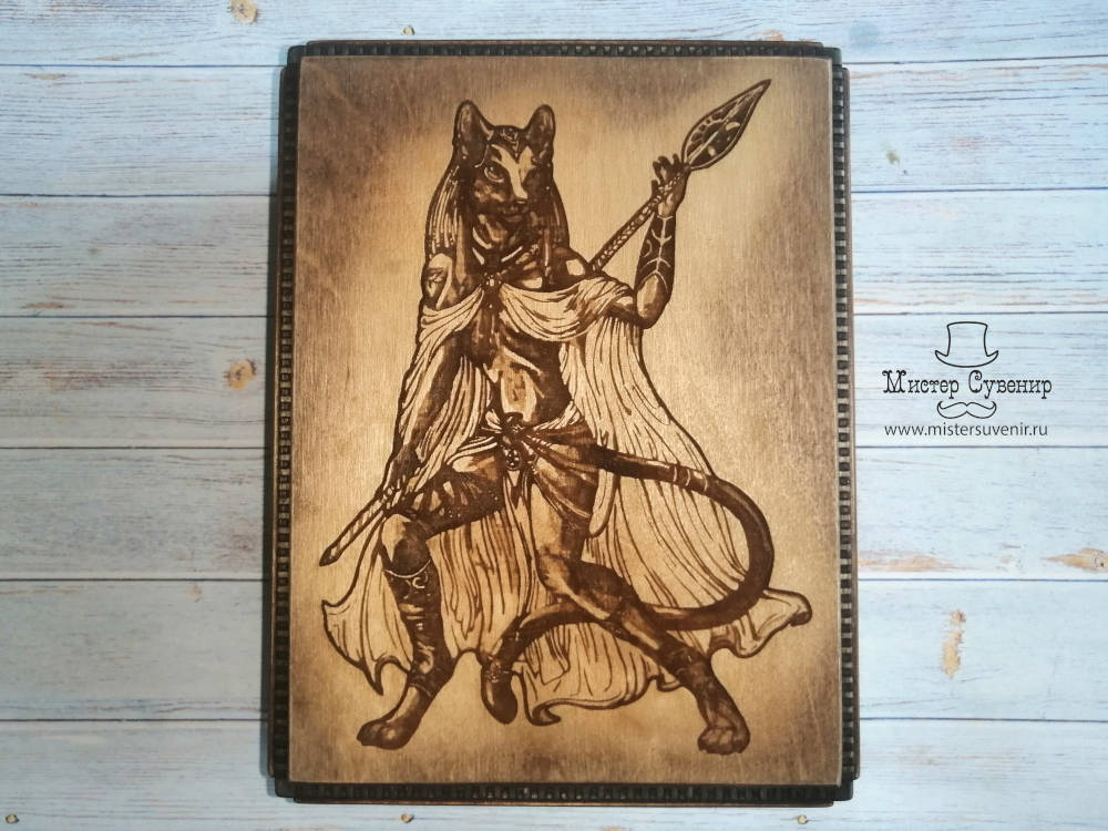 Шкатулка ручной работы из березовой фанеры с богиней Баст