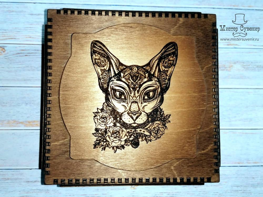 Шкатулка с кошкой из дерева