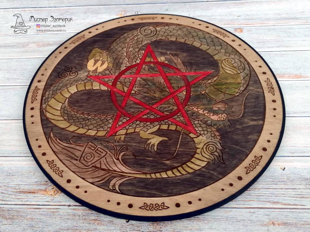 Ручная покраска алтаря с драконом